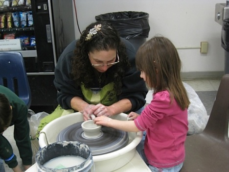 eb-14-pottery-girl