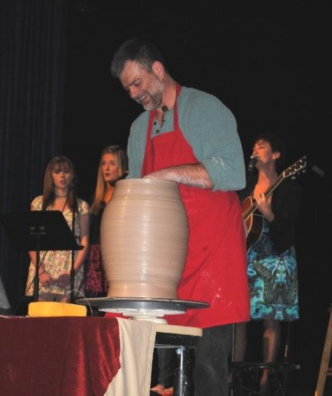 empty-bowls-event-wvhs-4-2-11-023