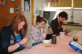 hs-art-club-empty-bowls-bowls-002